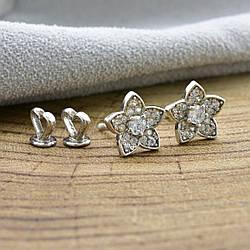 Серебряные серьги Хризантемки размер 10х10 мм вставка белые фианиты вес 2.37 г
