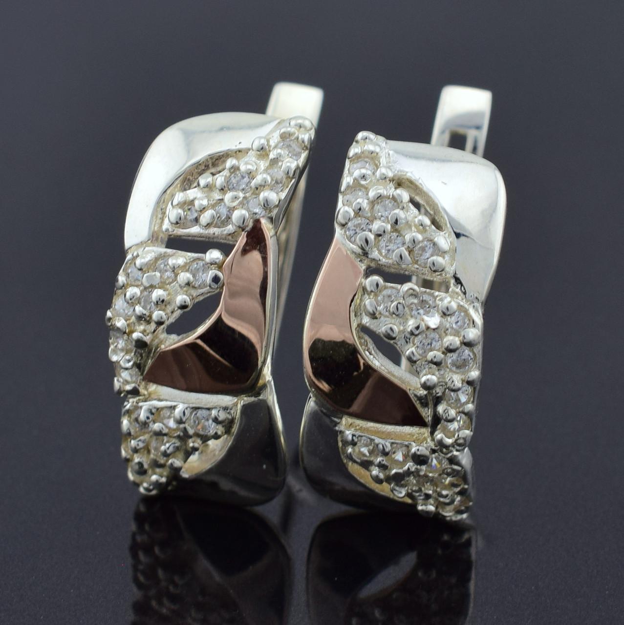 """Серебряные серьги с золотыми пластинами """"Юлия"""", размер 20*9 мм, вставка белые фианиты, вес 5.83 г"""