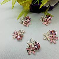 Стразовий декор із біло-рожевими квітами,  22*24мм