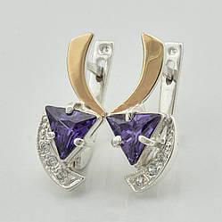 Серебряные серьги с золотыми пластинами 355 пс, размер 20*9 мм, вставка фиолетовые фианиты, вес 4.7