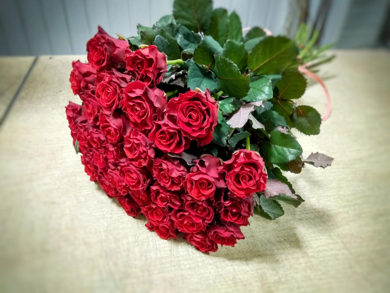 Букет из 35 красных роз Эль торо