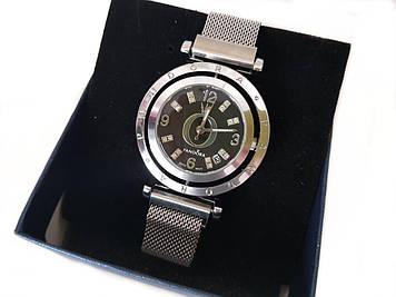 Женские кварцевые наручные часы Pandora на магнитной застежке, серебро, вращающийся циферблат(Пандора)