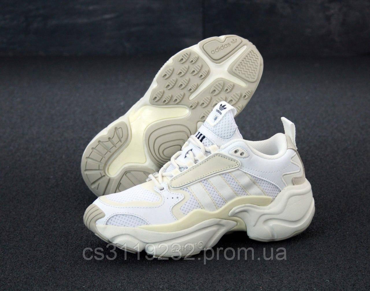 Женские кроссовки Adidas Naked Magmur Runner Cream White (белые)