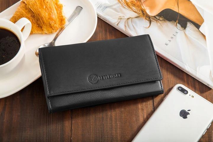 Жіночий шкіряний гаманець Betlewski з RFID 18 х 10 х 2,5 (BPD-SS-13)- чорний