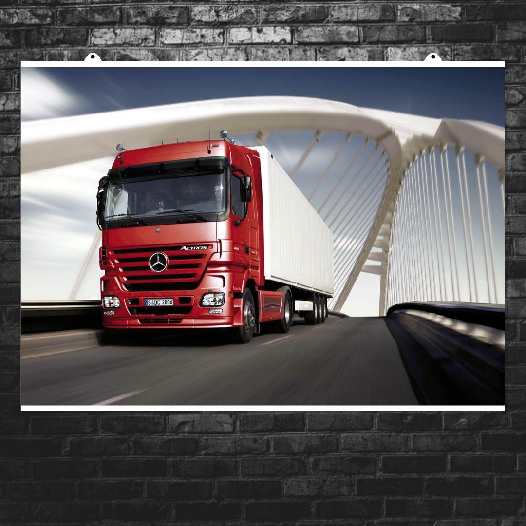 "Постер ""Грузовик красный Mercedes Benz"". Размер 60x43см (A2). Глянцевая бумага"