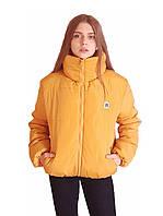Короткая зимняя дутая куртка с капюшоном