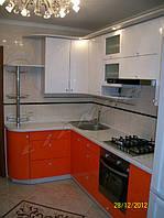 """Кухня с крашеным МДФ  """"Снежный мандарин"""""""