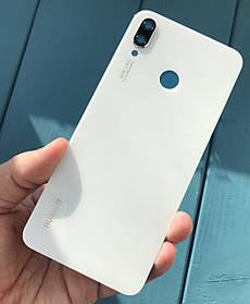 Задняя крышка для Huawei P Smart Plus белая