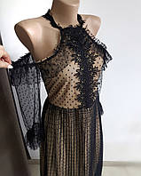Кофейное красивое платье с черной сеткой и открытыми плечами