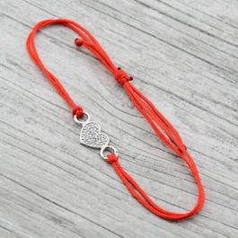 Серебряные браслеты-обереги с красной нитью