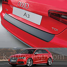 Пластикова захисна накладка на задній бампер для Audi A3 / S3 / RS 3dr 2012-2017