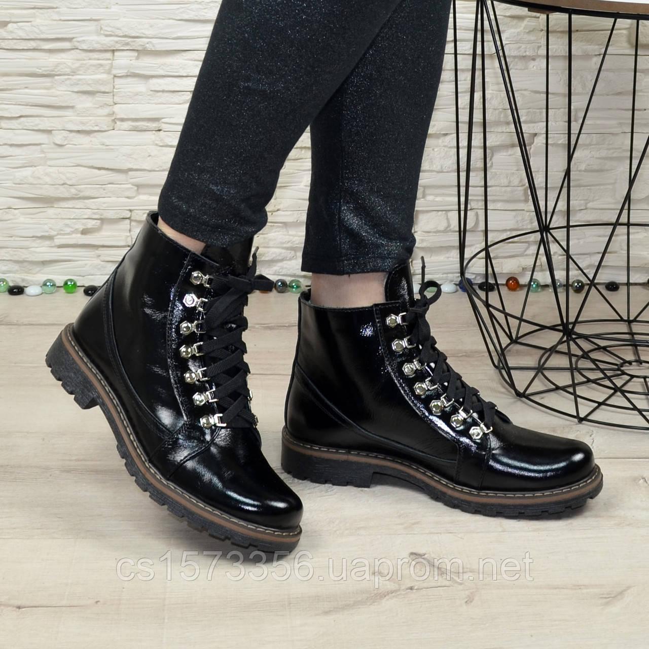 Женские ботинки лаковые на байке