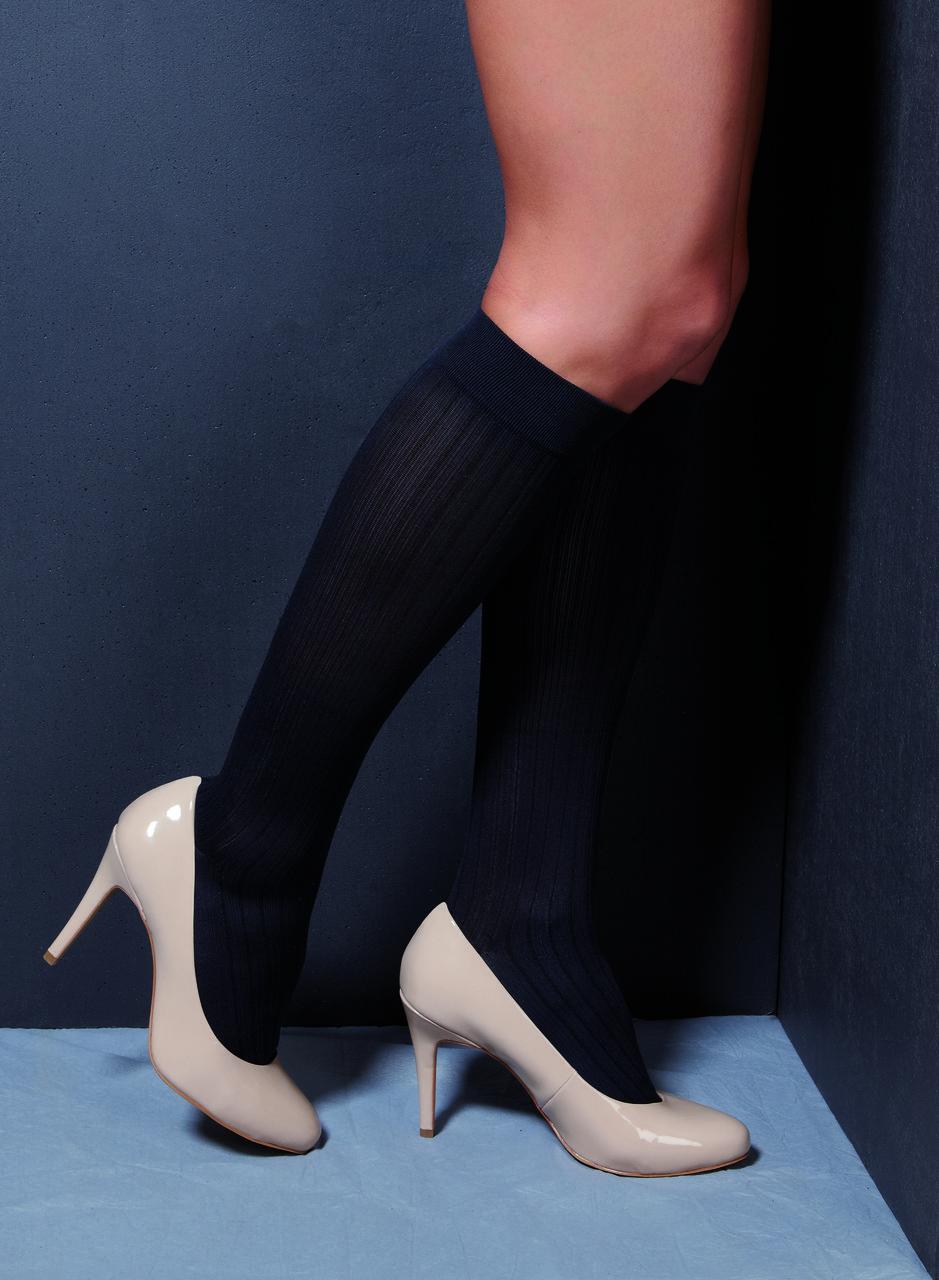 Компрессионные гольфы для повседневного ношения и путешествий в современных цветах и дизайне р.S цвет черный