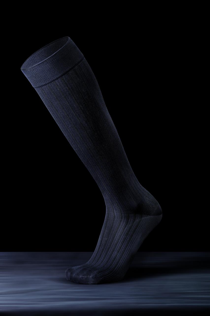 Компрессионные гольфы для повседневного ношения и путешествий в современных цветах и дизайне р.M цвет черный
