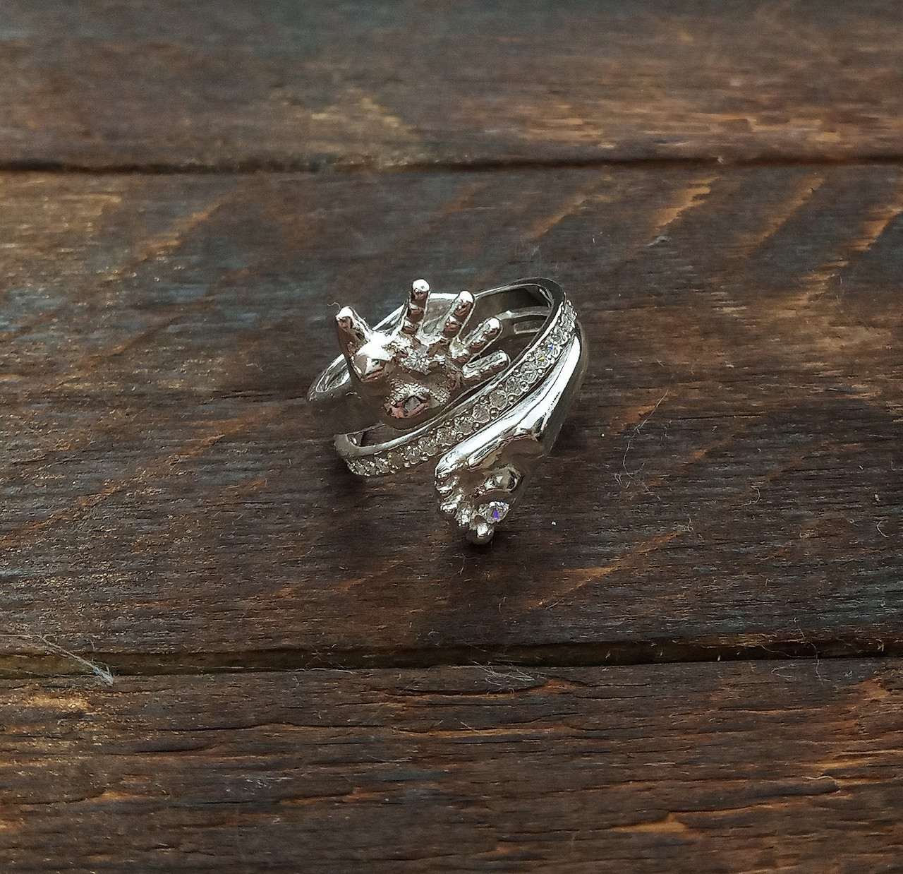 Кольцо  женское серебряное Ручка и Ножка Младенца КЦ-19 Б