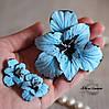 Комплект украшений с цветами. Голубые гладиолусы