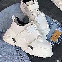 Модные молодежные кроссовки