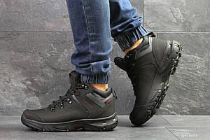 Мужские высокие зимние кроссовки Ecco Biom, черные с красным