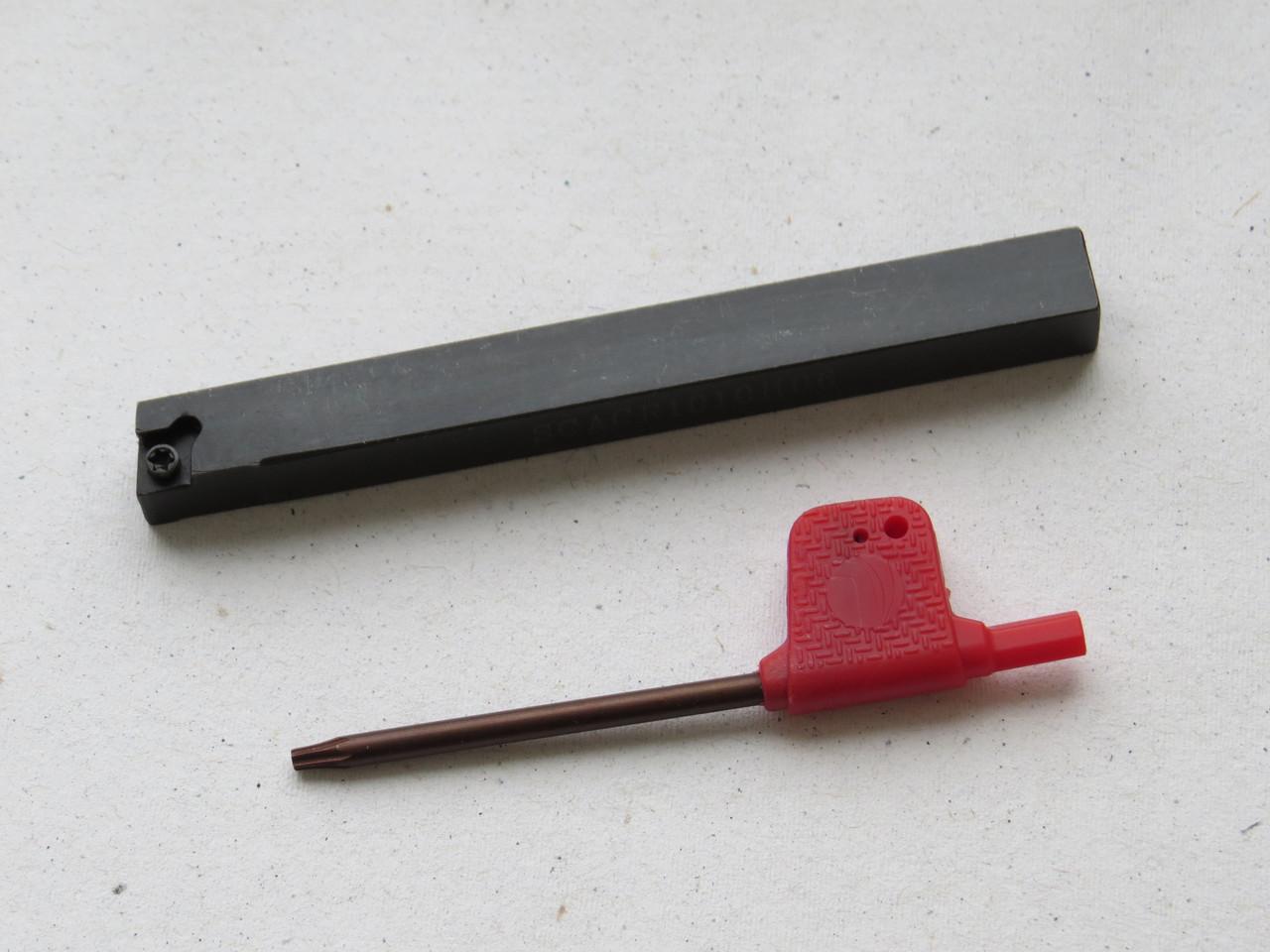 Резец проходной подрезной с мех. креплением 10х10х100 SCACR1010H06