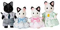 Набор Сильваниан Фэмилис семья Черно-белых котов Sylvanian Families Tuxedo Cat Family