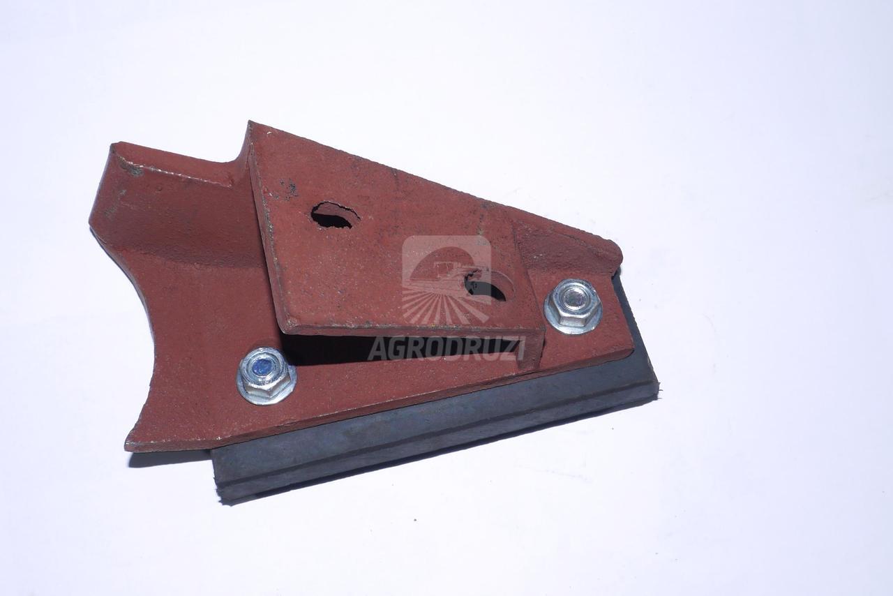 Очищувач ролика транспортера зілля лівий 5644/51-020/0
