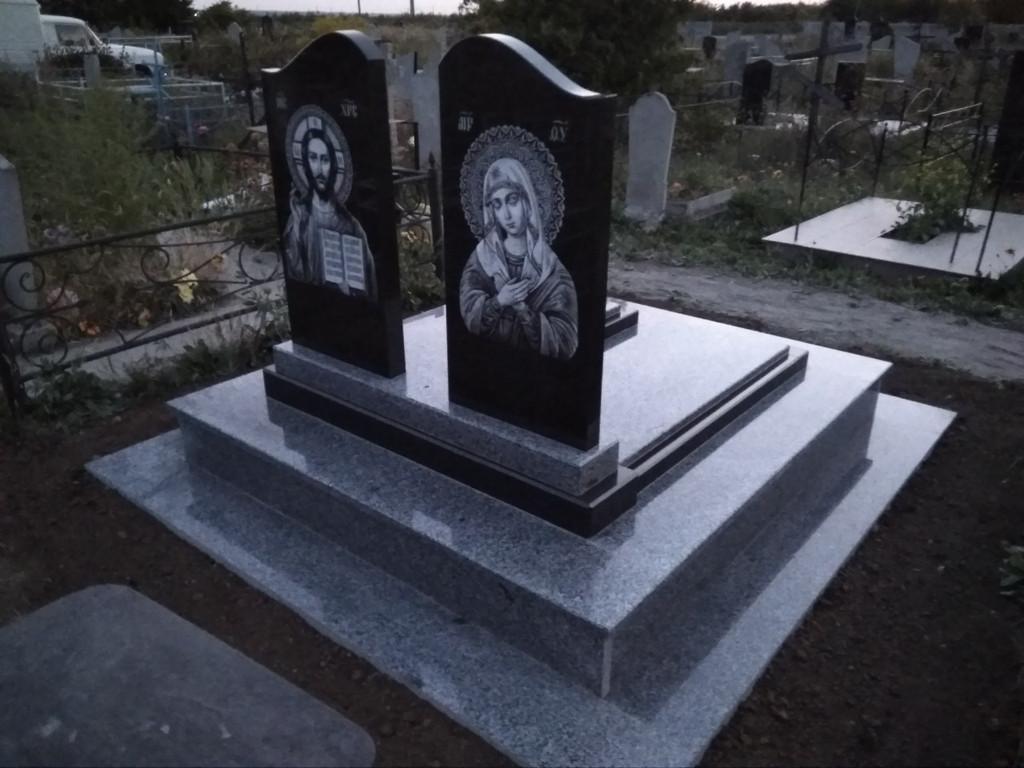 Памятник из гранита (Образец 11) 5