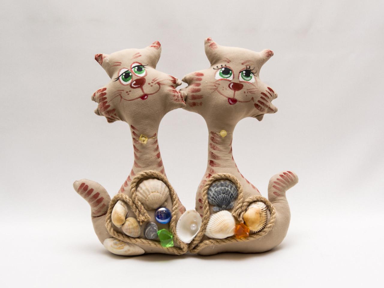 Коты неразлучники с ракушками