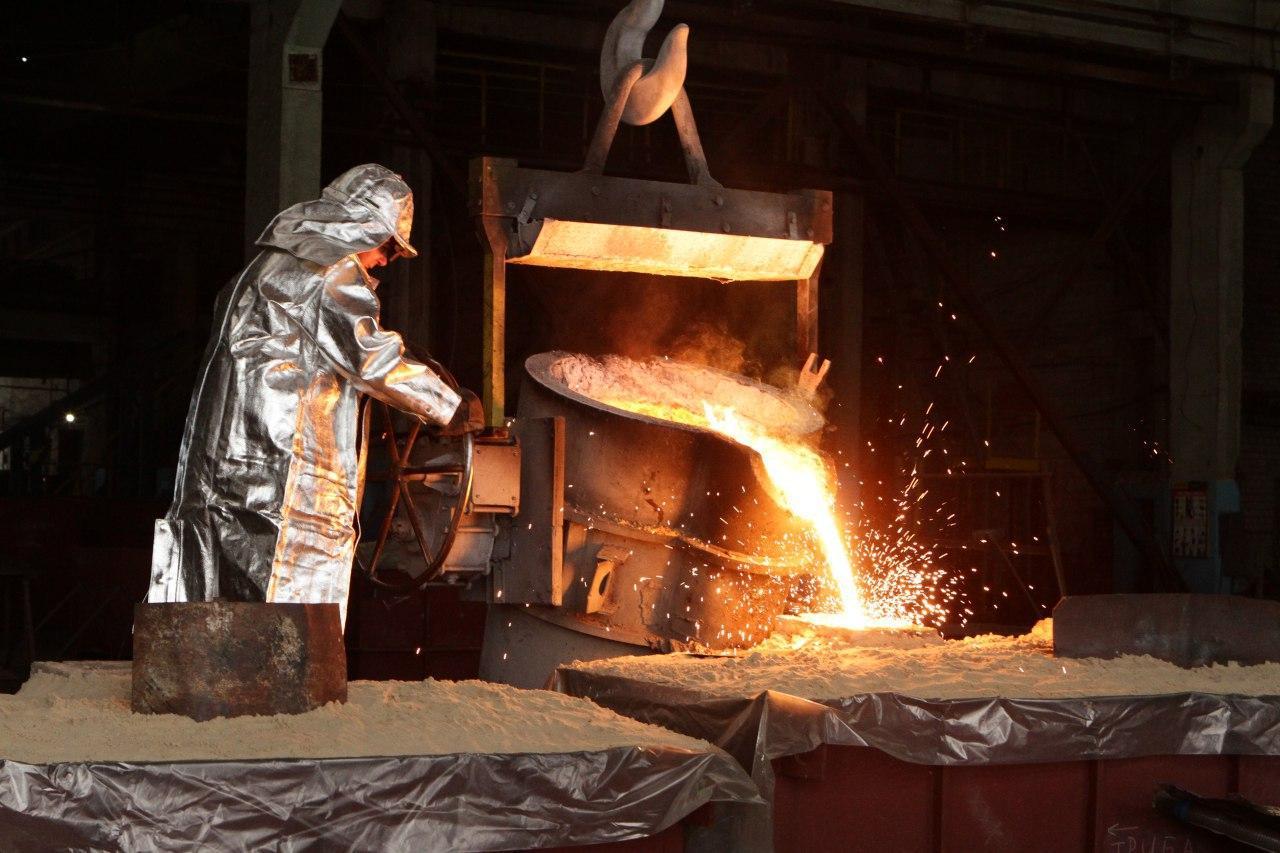 Литье крупно габаритных отливок из лигированых морок стали и чугуна нержавеющей стали