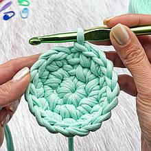 Идеальный круг узором «галочки»— Мастер класс по вязанию крючком из трикотажной пряжи Bobilon