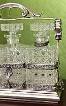 Серебряная подставка с тремя хрустальными графинами под виски, коньяк, водку нач.ХХ века, фото 2