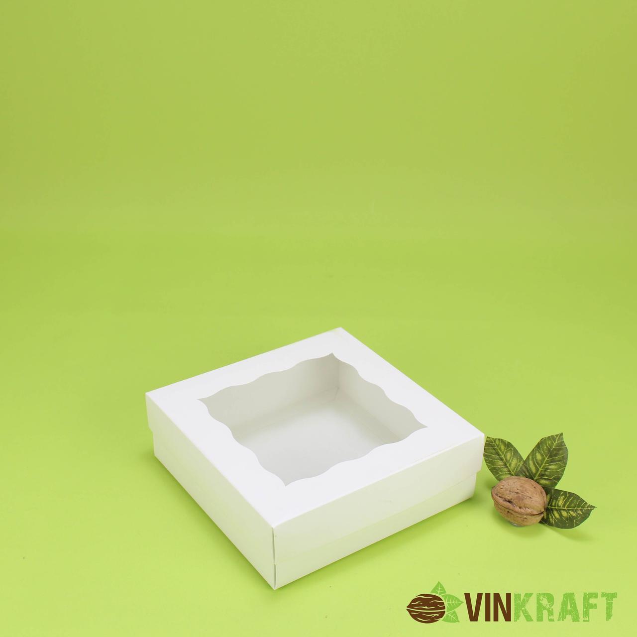 Коробка 150*150*50 для зефіра і десертів з фігурним вікном, біла