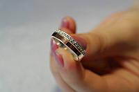 Женское серебряное кольцо с золотом и фианитами