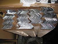 Алюминиевый уголок 30х30х2 мм