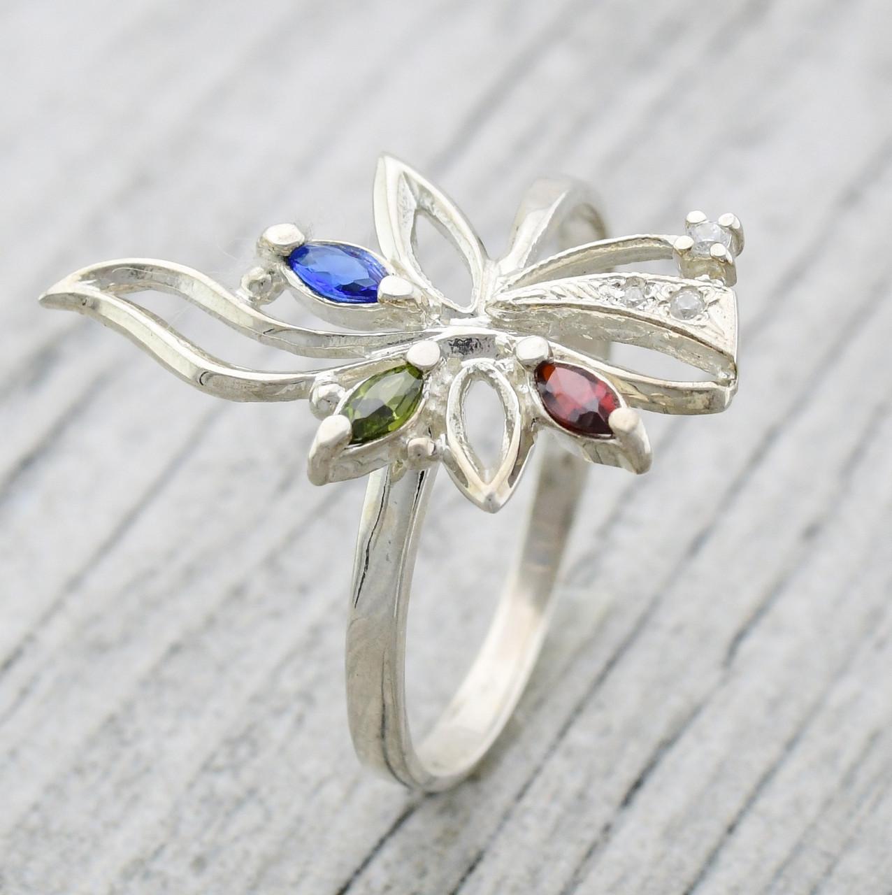 Серебряное кольцо Азалия вставка разноцветные фианиты вес 2.4 г размер 19