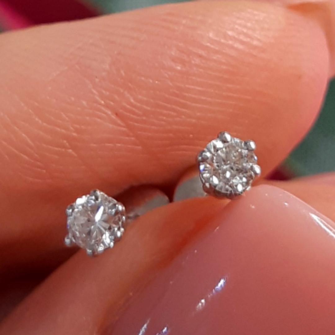 Пуссеты из белого золота с бриллиантами - Бриллиантовые серьги гвоздики белое золото