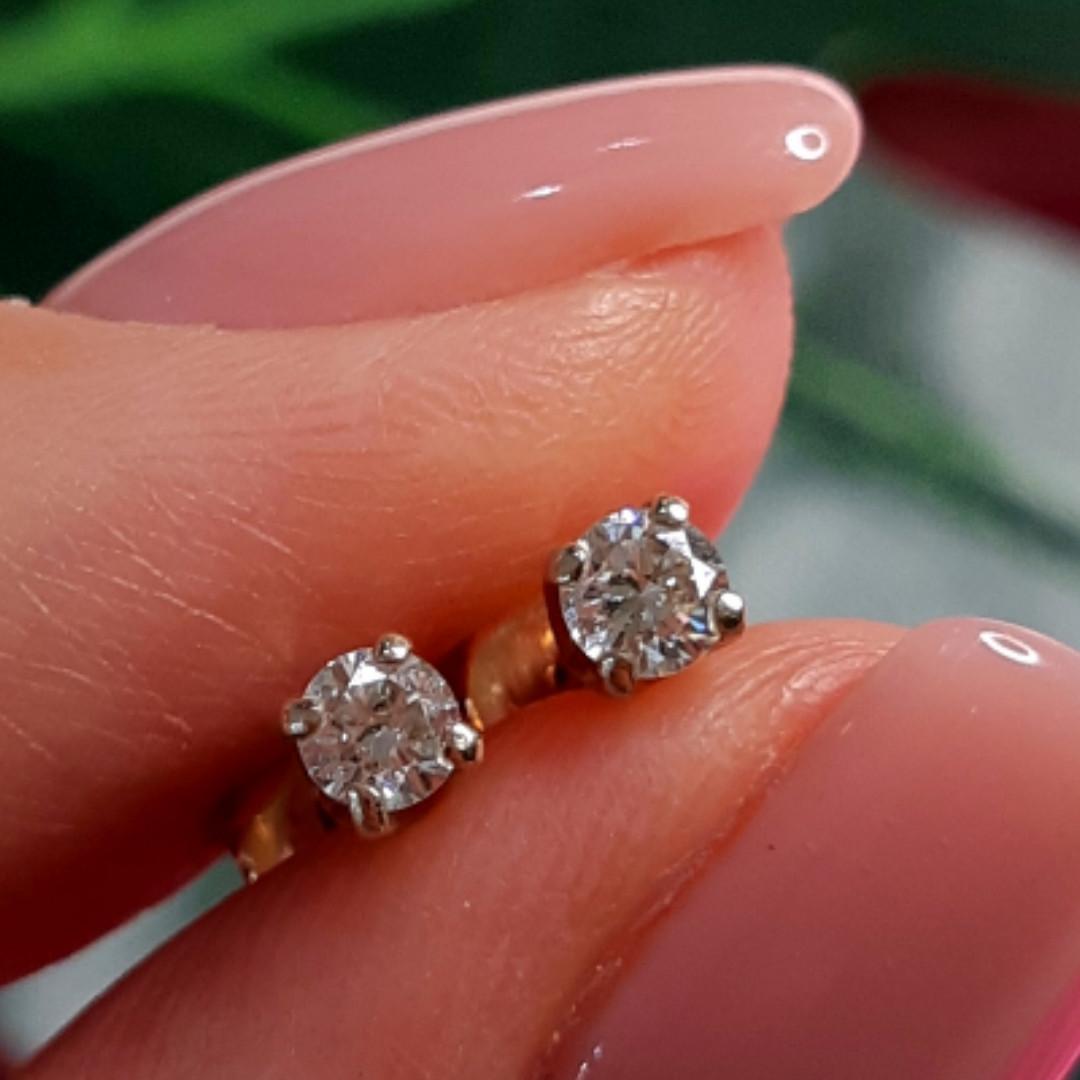 Золотые серьги с бриллиантами - Золотые серьги гвоздики с бриллиантами - Бриллиантовые пуссеты