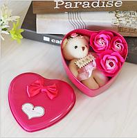 Подарочный набор в форме сердца мыло из роз в розовом цвете