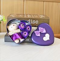 Подарочный набор в форме сердца мыло из роз в фиолетовом цвете