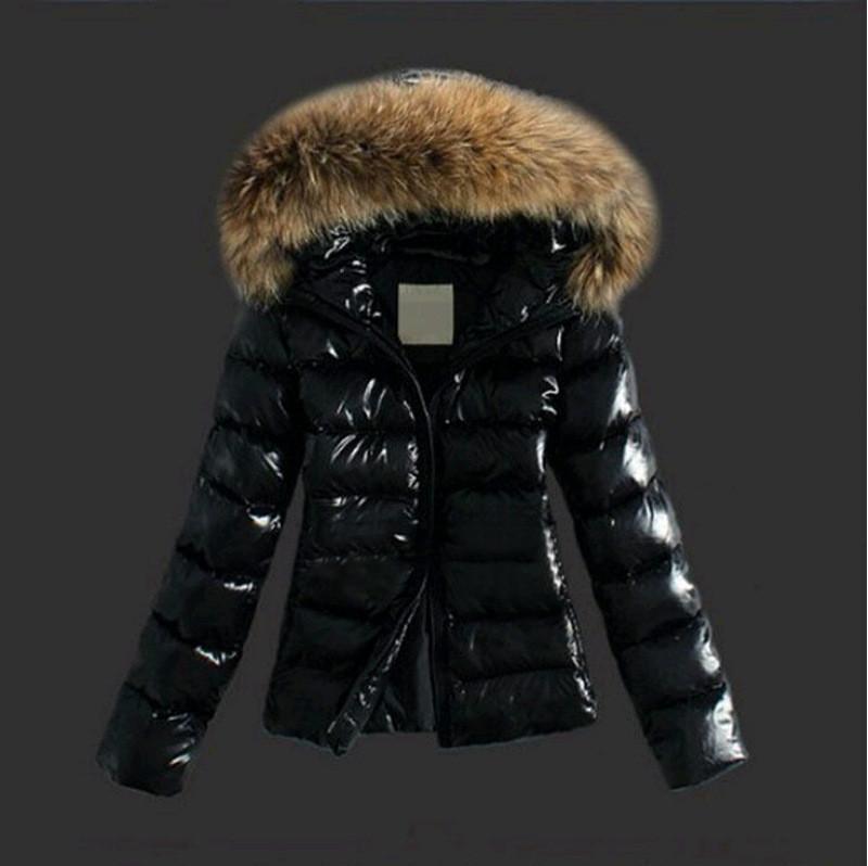 Стильна жіноча куртка з екошкіри