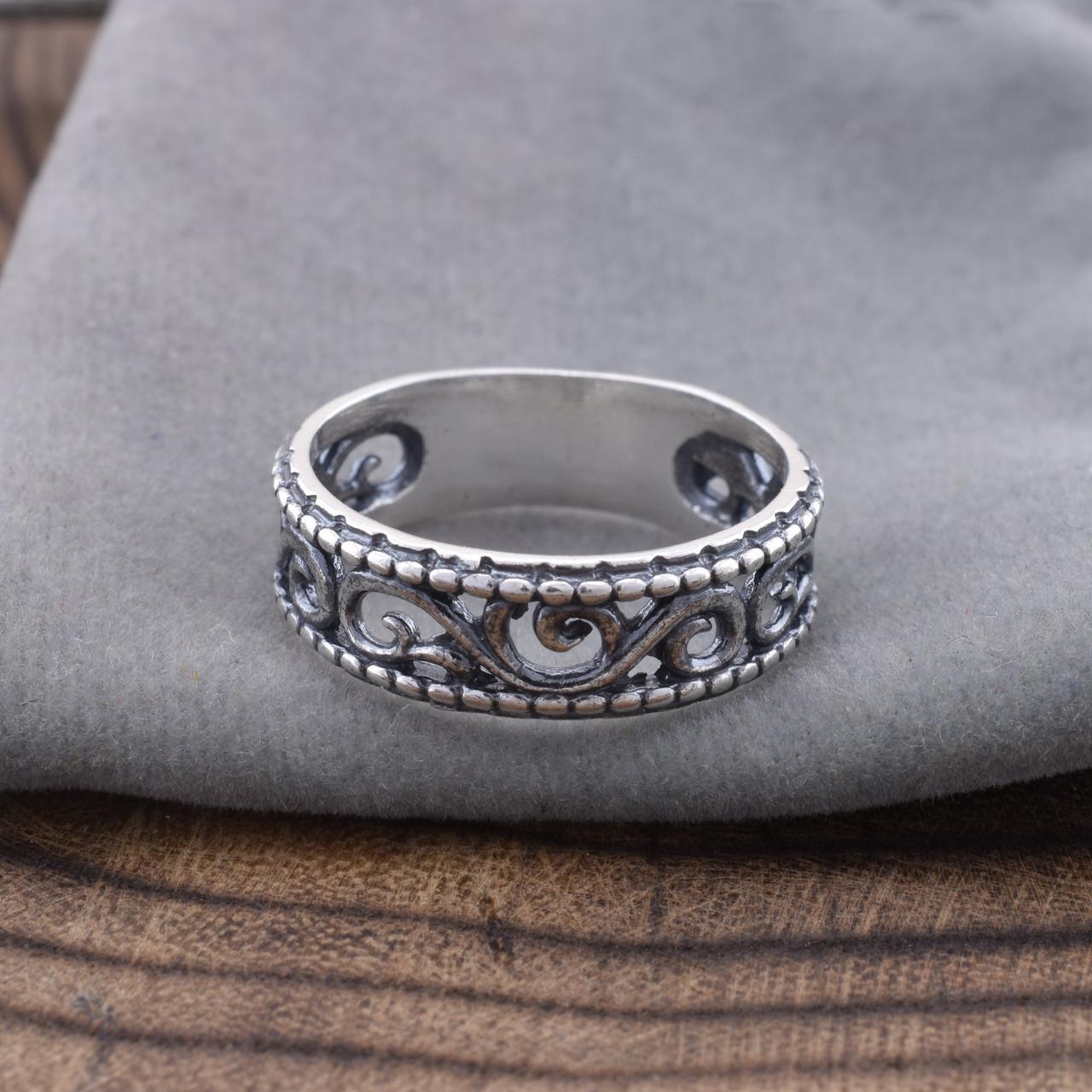 Серебряное кольцо Тиамо вес 2.85 г размер 18