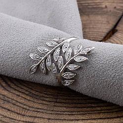 Серебряное кольцо П1529 вставка белые фианиты вес 2.9 г размер 19