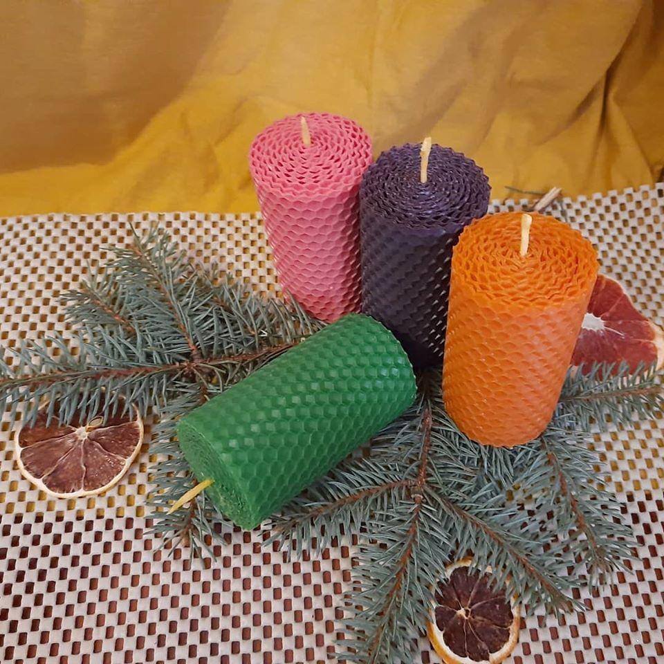 Набір воскових свічок з кольорової вощини