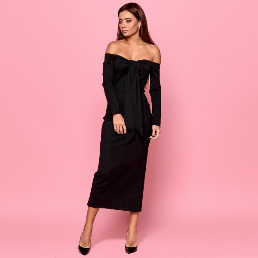 Женское платье с открытыми плечами черное