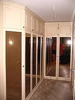 Шкафы из массива  в холл.
