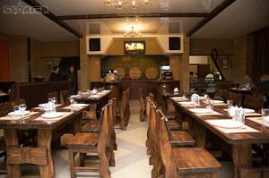 Деревянная мебель для ресторана в Донецкой области