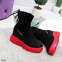 Трендовые черные ботинки на утолщенной красной подошве