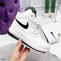 Высокие зимние белые женские кроссовки