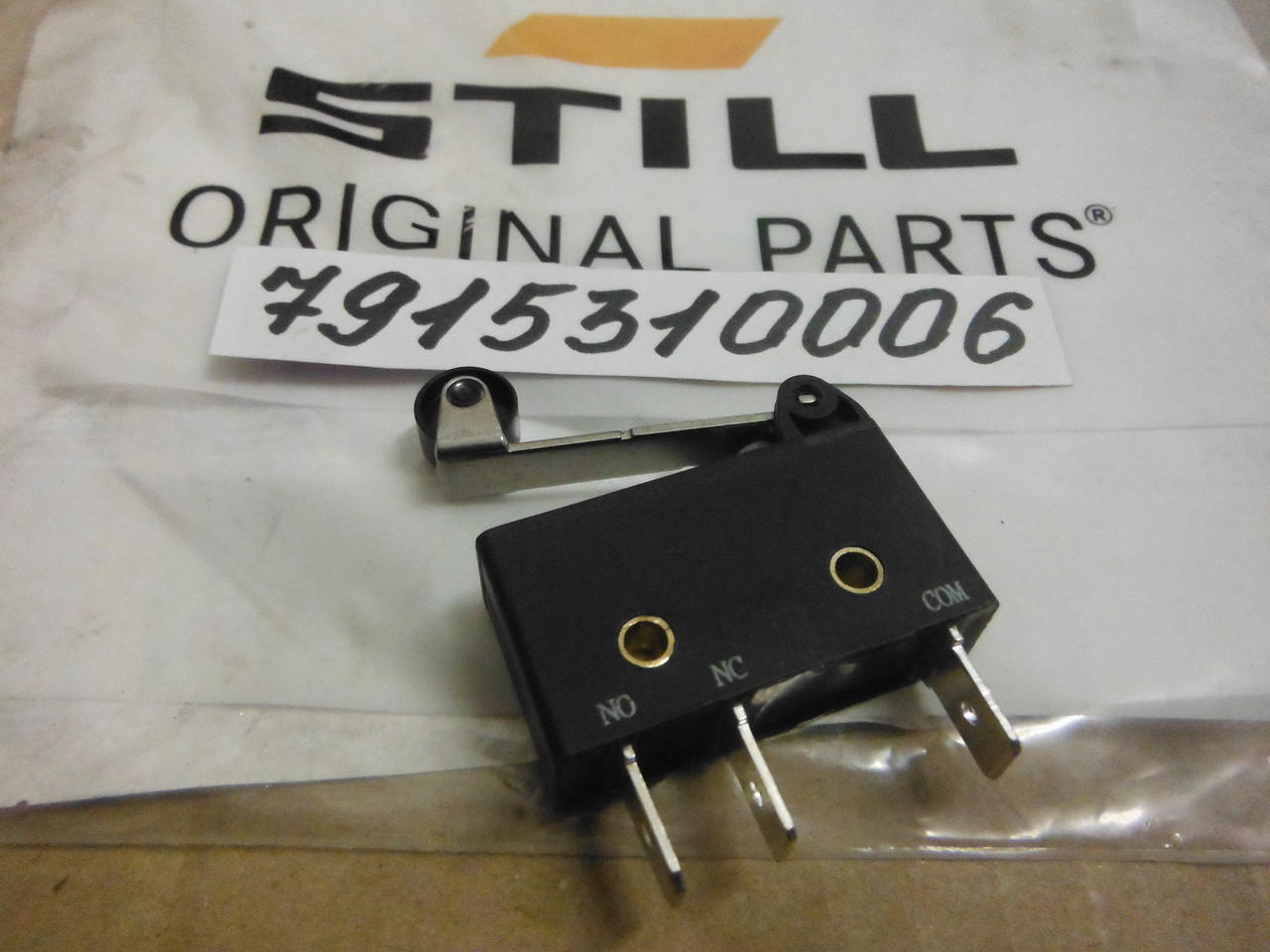 STILL 7915310006 микровыключатель / мікровимикач