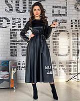 Стильное расклешенное платье мини из эко кожи