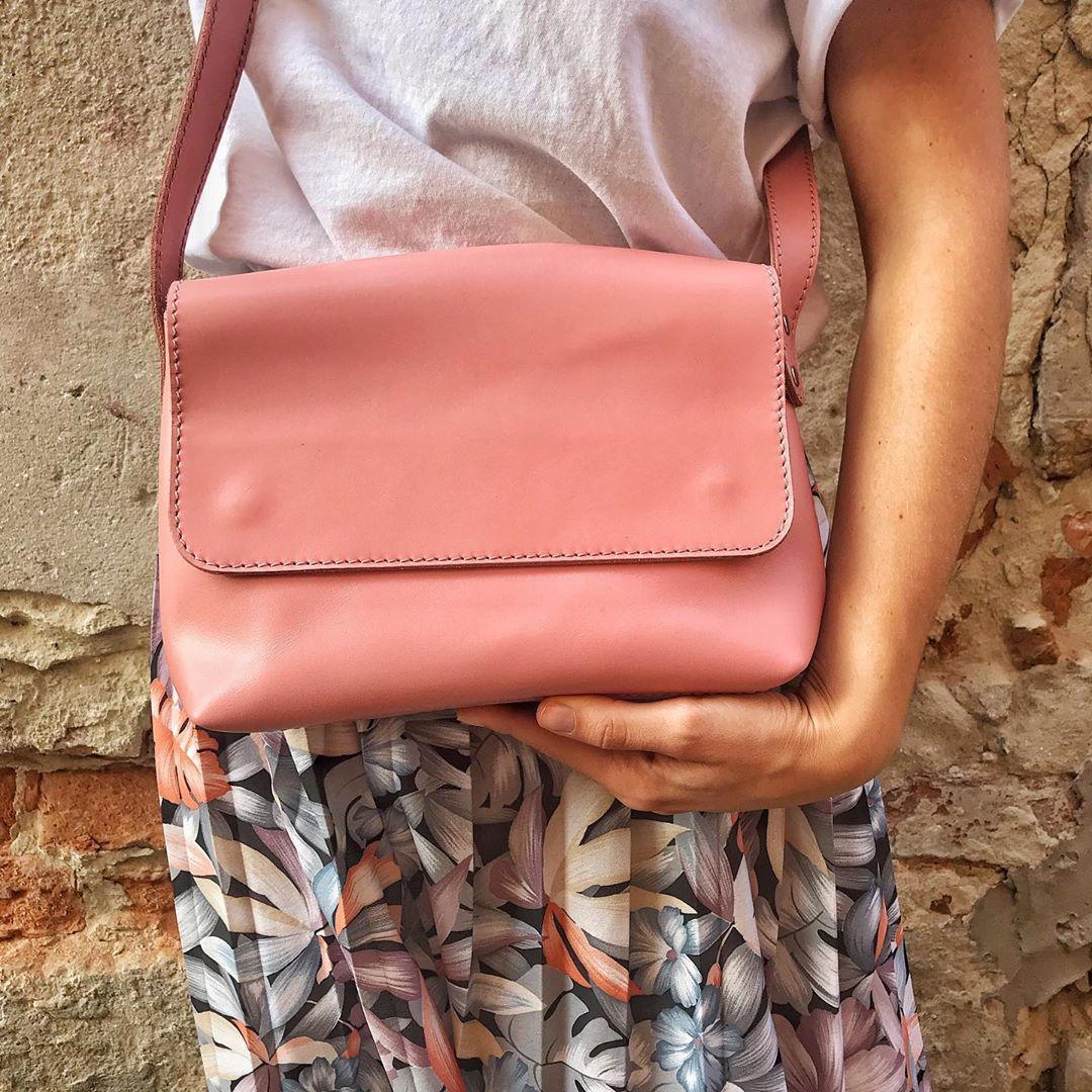 Шкіряна сумка крос-боді Cross жіноча рожева